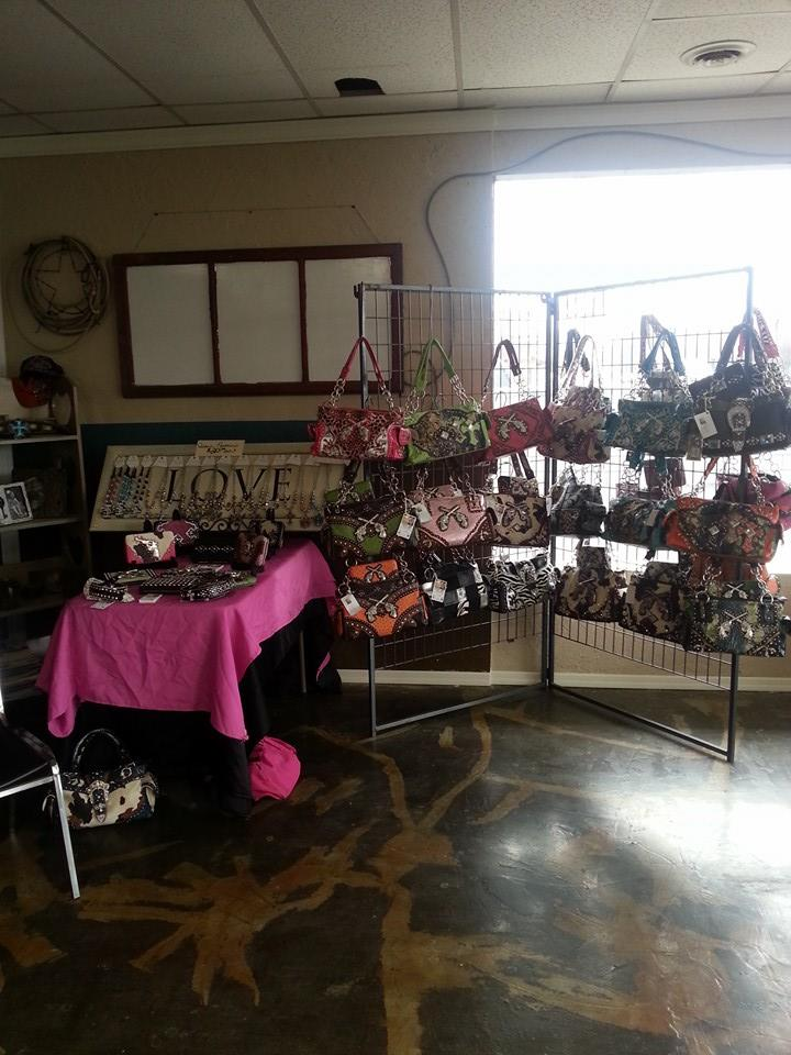 Prineville Cowgirl Trends Salon and Tanning